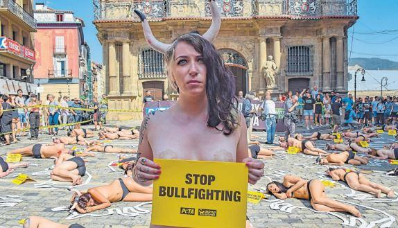 Irvine's Claire joins protest against bullfighting in Spain