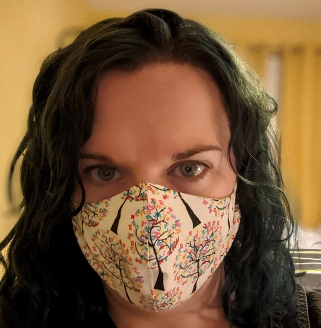 Seamstress makes masks to help during COVID-19 pandemic