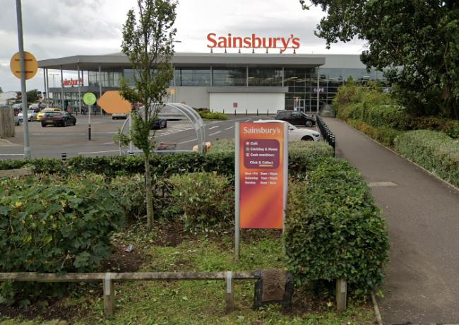 Sainsbury's Ayrshire staff to receive pay rise and  bonus