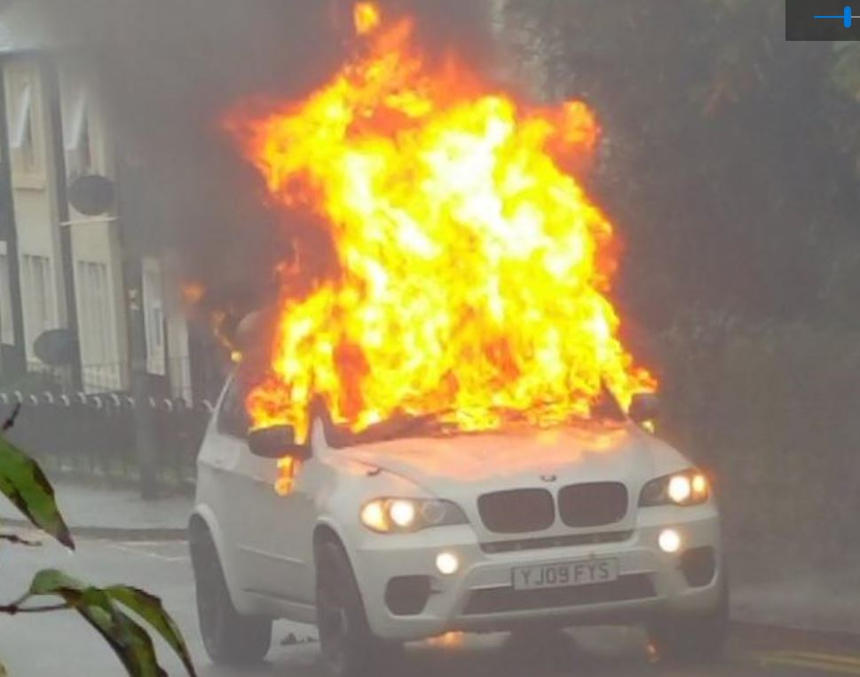 Fire service tackle car fire in Kilwinning