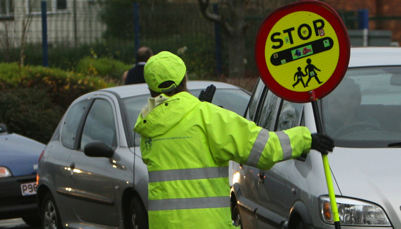 Parents urged to sign 'Parking Pledge' to make school run safer